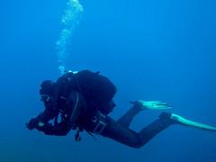 Endless blue... (CZDiver) Tags: aqualungmistral scubagear scubadiving divinggear doublehosescubaregulator gatesproam1050drysuit blackrubberdrysuit scubadiver scuba drysuit