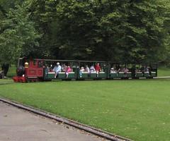 Buxton Pavilion Gardens Miniature Railway 03082007b (Rossendalian2013) Tags: buxton paviliongardens miniaturerailway steamoutline dieselhydrauliclocomotive alankeef 060dh