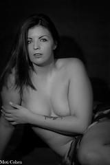 Manon (Moti B&W Photography) Tags: blackandwhite bw belle beauté sexy studio canon curves courbes femme fille féminin féminité female hair lightroom sein jolie pretty