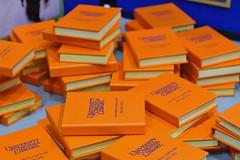 071 Litte Orange Books