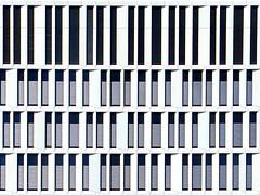 aktuell: scheibletten-beratung | berlin | 1508 (feliksbln) Tags: building berlin lines architecture facade de arquitectura pattern geometry edificio front repetition architektur minimalism minimalismo administration fachada muster fassade pwc geometrie líneas linien repetición patrón geometría wiederholung abstracture minimalismus administración verwaltungsgebäude