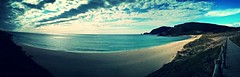Alfombras (El_Turista_Accidental) Tags: sea summer espaa sun sol beach mobile clouds spain sand espanha europa europe cellphone cellular playa panoramic galicia smartphone nubes mobilephone beaches celular espagne playas mvil spanien panormica acorua espanya