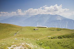 Varneralpe (Pavel Vanik) Tags: mountains alps animal canon landscape schweiz switzerland view suisse swiss 7d alpen svizzera alpi wallis valais varneralpe 1018is planigrchti