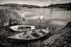 Public Water Supply (delphwynd) Tags: longexposure autumn water walking boats boat fishing long exposure sunday reservoir hills rowing ochil rowingboat dumyat ochilhills ndx400 cocksburn