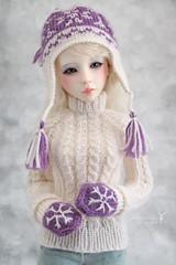 My beautiful Tiffany ♥ (Maram Banu) Tags: hat snowflakes sweater doll handmade bjd mittens msd narae bimong fairystyle n402 marambanu