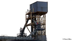 Structure in the sky (patrick_milan) Tags: crane structure metal port brest sky minimalism industrial industriel