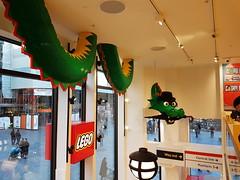 20170119_145403 (COUNTZERO1971) Tags: lego london legostore leicestersquare toys buildingblocks brickculture