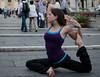 (roland_travelingue) Tags: barefootlife barefootyoga dirtysoles dirtyfeet yogadirtysoles yogadirtyfeet outdooryoga outdooryogafeet yoga streetyoga