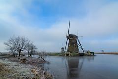 A cold morning in Kinderdijk (skees499 ) Tags: kinderdijk windmills nederland swek unesco ngc tokina wideangle groothoek molenwaard netherlands holland keesmolenaar d500 nikon wolrdherritage werelderfgoed