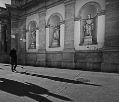 long shadows (heinzkren) Tags: austria vienna wien albertina albertinaplatz albrechtsbrunnen tauben mann schatten shadow figuren figurs city innenstadt kunstmuseum bird dove street strase kunst streetart building gebäude sonne sun lensflares panasonic olympus ww weitwinkel gehweg bürgersteig trottoir sidewalk streetfoto outdoor weg way noireblanc monochrom bw blackandwhite biancoetnero streetphotography candid noiretblanc bnw