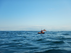 Ausflug zum Kieler Leuchturm (Der kleine Erich Topp) Tags: dragon leer wwii hamburg lifeboat michel hafen ostsee baltischesee kiel eckernfrde travemnde rnli atlantik lorient emden uboot laboe kielerfrde dkm adelheid mltenort u995 karldnitz dgzrs unterseeboot rnlb germansubmarine seenotretter ubootwaffe u552 erichtopp peterpetersen onkelwolf ubootbasis amblelifeboat wikingerfahrtenmitdemrotenteufelboot ufang 7cunterseeboot uadelheid wurmflitzer waveneylifeboat harritardsen masterofthebalticsea