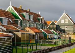 _DML1416 (duncen.mcleod) Tags: windmill ren marken zaanseschans molens paardvanmarken oudehuisjes
