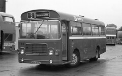 Reached the parts other buses could not reach (Fray Bentos) Tags: ecw bristolomnibusco smallbus bristollhs londoncountrybusservices rph105l windmillhillcommunitybus
