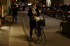 I want to ride my bicycle (os♥to) Tags: sony alpha77 a77 slt december2015 bicycle bike bici vélo rower bicicleta fietssykkel cykel velo fahrrad street streetphotography candid people