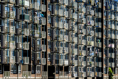 populousness (Blende1.8) Tags: rotterdam wohnhaus building residence house houses buildings architecture contemporary urban city netherlands sony ilce7m2 24240mm facades balkon bakone balcony balcoies carstenheyer