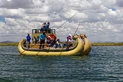 Rejs tradycyjną łodzią Uru | Traditional Uru boat