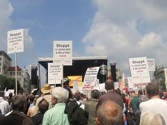 Stoppt ESM (christophrohde) Tags: stopptesm schilder demo münchen stachus
