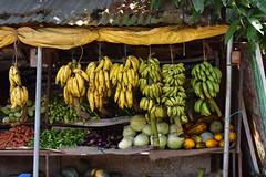 Fruits shop (yellaw travel) Tags: fruits shop inde india kerala alleppey asia asie banane banana bananes vegetables légumes fruit exotiques exotique couleurs