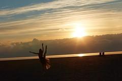 (rebekkaweigand) Tags: photoshoot photography kick tutu blondie pointe ballerina ballet flexible tut cold morning lake colourful colours sunrise beach toronto model