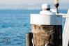cappello bianco (fantamanu) Tags: sfondo panorama lago pontile relax bellezza garda lake