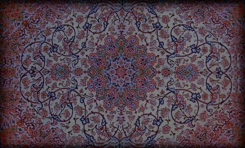 """Alfombras, espacios íntimos que simbolizan templos, árboles de la vida y el conocimiento, astros y paradisos. • <a style=""""font-size:0.8em;"""" href=""""http://www.flickr.com/photos/30735181@N00/32230852630/"""" target=""""_blank"""">View on Flickr</a>"""