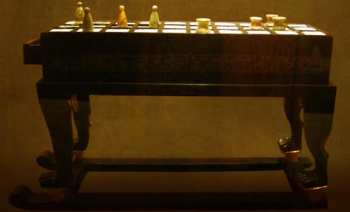 "Senet - Lujoso sistema de objetos lúdicos obsequio del dios Toht a la faraona Nefertari • <a style=""font-size:0.8em;"" href=""http://www.flickr.com/photos/30735181@N00/32399620521/"" target=""_blank"">View on Flickr</a>"