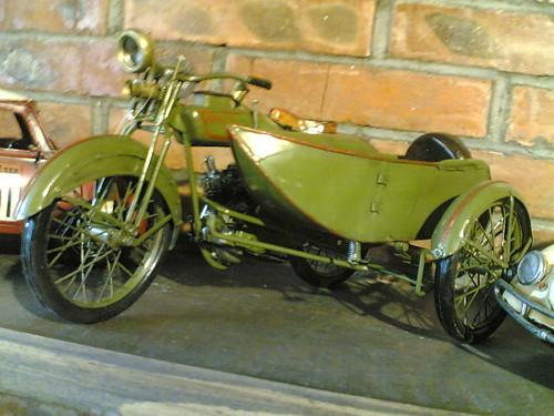 古典摩托车模 by donglulu.