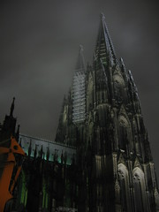 COLOGNE Dom (photoidias) Tags: city trip travel sky urban mist black building tower church architecture night germany dark deutschland europa europe cathedral dom cologne viagem koeln koln alemanha arquitecture viajar