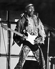 Jimi Hendrix - live - Sunday, June 1, 1969 - Waikiki Shell, Hawaii (Belltown) Tags: strat jimihendrix top20livemusic waikikishell konzertfotos interestingness89 i500 explore04jun06 june11969
