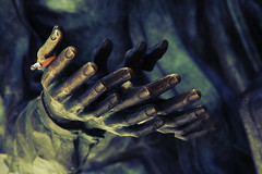 nicfit (helveticaneue) Tags: sanfrancisco art june bronze hands walk cigarette yes stock 2006 alamy kicey laurakicey walkwiththomashawk sculpturepublic alamylead
