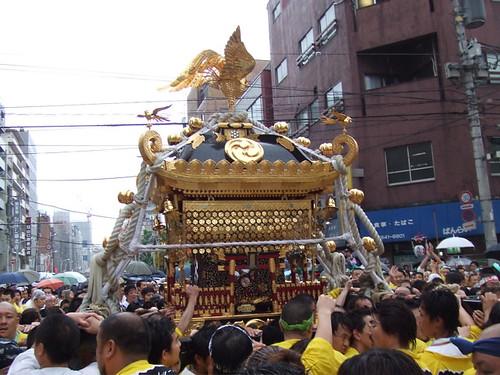 鳥越本社千貫神輿1