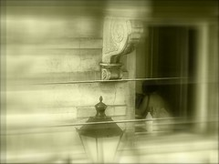 accordion (malidinapoli) Tags: brussels music blur girl topv111 sepia cool blurry streetlight belgium belgique belgie lovely1 great bruxelles accordion loveit melody musica excellent nana abc musik neighbour laterne brssel brussel fille theothers musique lampione amlie belgien belgio melodie akkordeon accordon bxl fisarmonica stgilles rverbre nachbarin vicina voisine schifferklavier stgillis gegenber dieanderen letempsvole
