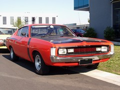 Valiant VH Charger R/T Six-Pack