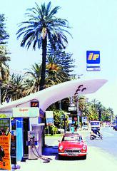 San Remo Petrol Station (Richard Reynolds) Tags: italy station palm petrol gt sanremo mgb refueling