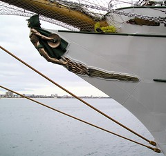 MEXICAN NAVY TALL SHIP CUAUHTEMOC-OUTBOARD PORT BOW PROFILE- FIGUREHEAD (zero g) Tags: mexico sailing ship navy australia melbourne vessel rob sail robjan tallship sailingship cuauhtemoc mexicannavy stationpier alloysmetal 172006 pictureaustraliapeopleplacesandevents awesomecommentedwithawesome