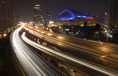 Gardiner Expressway (kompot.photo) Tags: longexposure toronto night headlights skydome cityplace gardinerexpressway rogerscentre