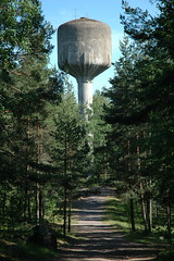 Loviisa watertower (dumell) Tags: old summer tower forest suomi finland concrete construction warm europe path watertower sunny lovisa loviisa vesitorni vattentorn