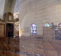 Preparing for Shabbat (curiousl) Tags: reflection building architecture design israel telaviv interior faith synagogue belief books rows seats thessaloniki heichalyehudah setheichalyehudahsynagogue