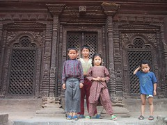 Katmandhu kids ! (Fispace) Tags: nepal kids children katmandhu blackribbonicon
