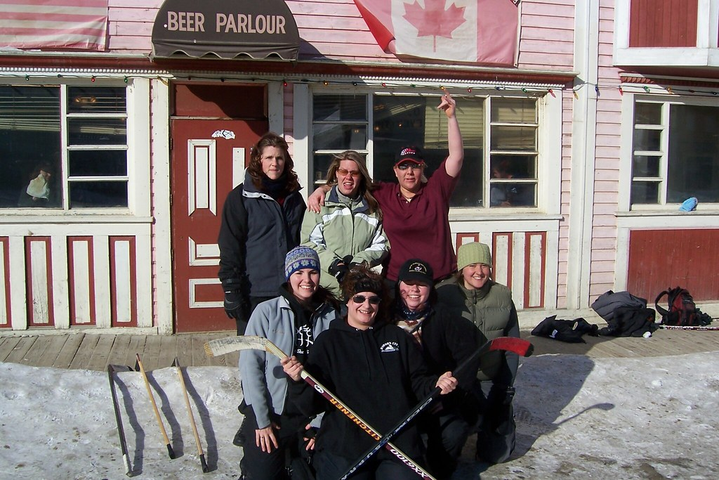 All-girls Road Hockey team 2006