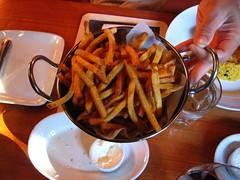 fries   monty's (nchoz) Tags: food roadtrip foodporn fries santarosa roadtrip2006