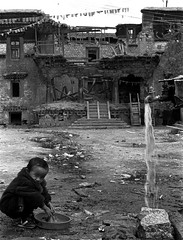 cleaning clothes (Jon Haynes Photography) Tags: china portrait water center tibet h2o lhasa sheda