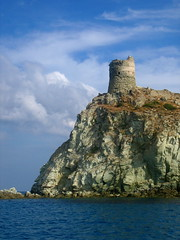La montagne dans la mer (Tendance Flou) Tags: france landscape tour corse corsica capcorse visittheworld capicorsu tourgnoise tendanceflou genovatower northerncorsica mountaininthesea lamontagnedanslamer