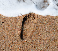 footprint (lanier67) Tags: sea beach portugal water foot sand wave gaia footprint utatafeature