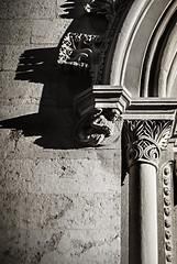 Touch of light f7.1; 1/2000s; ISO 200; FL:28mm. © Juan Manuel Saenz de Santa María, 2015 (Brenus) Tags: white black architecture photography photographers sidelight impresiones tumblr lensblr