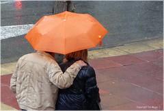 Spaziergang im Regen * Walk in the rain * Caminar en la lluvia . P1110014-001 (maya.walti HK) Tags: espaa water rain lluvia spain agua wasser flickr umbrellas paraguas regen spanien regenschirme 2014 schirme 111015 panasoniclumixfz200 copyrightbymayawaltihk