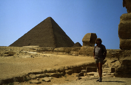 "Ägypten 1983 (21) Gizeh: Sphinx und Cheopspyramide • <a style=""font-size:0.8em;"" href=""http://www.flickr.com/photos/69570948@N04/22621563569/"" target=""_blank"">View on Flickr</a>"