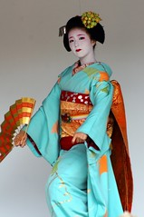 -39 (nobuflickr) Tags: japan kyoto maiko geiko       kamishichiken  kimobo kamigamojinjashrine  20151103dsc06717