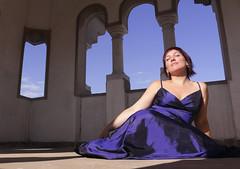 Carla (Carlos Pérez Chiribao) Tags: blue sky dress woman beauty sun sunlight peace feelings summer skin