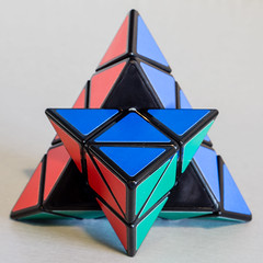 Pyraminx - almost done! (Jump83) Tags: corner macromondays wow